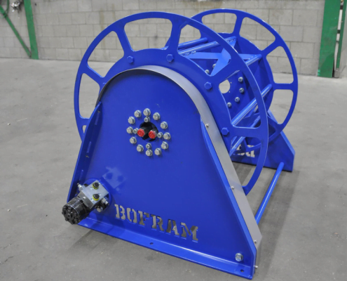 Hydrualic driven hose reel
