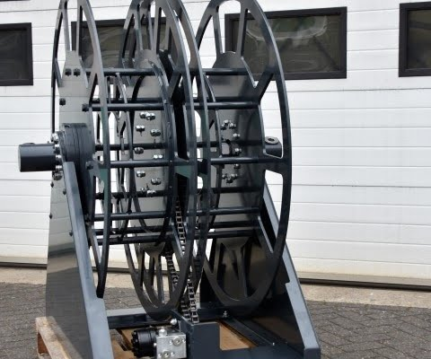 Powdercoating hose reel