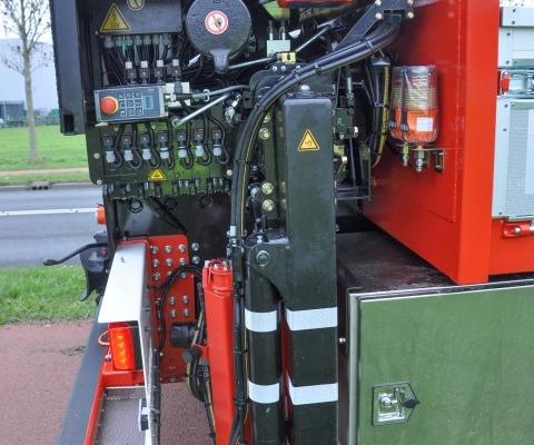 Vrachtwagen besturing stempelpoot PJ de Vet uit Mill