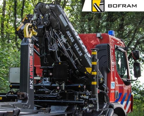 Brandweer Bofram Atlas autolaadkraan in Noord-Brabant