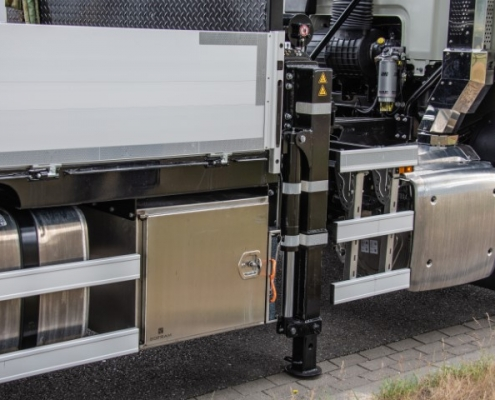 Bofram Roestvrijstalen kisten opbouw zware Atlas autolaadkraan Peter Peters Schaijk