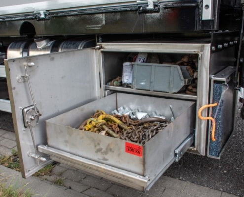 Bofram Roestvrijstalen kisten met lades opbouw zware Atlas autolaadkraan Peter Peters Schaijk