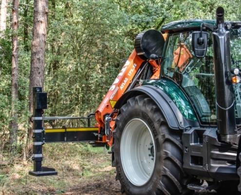 Steunpoot Bofram Techniek Tractor met Atlas autolaadkraan steunpoten